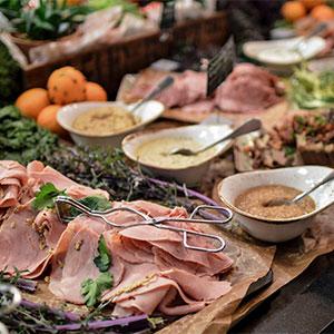 Julbord på Restaurang Ester i KUNGSBACKA | Julbordsportalen.se